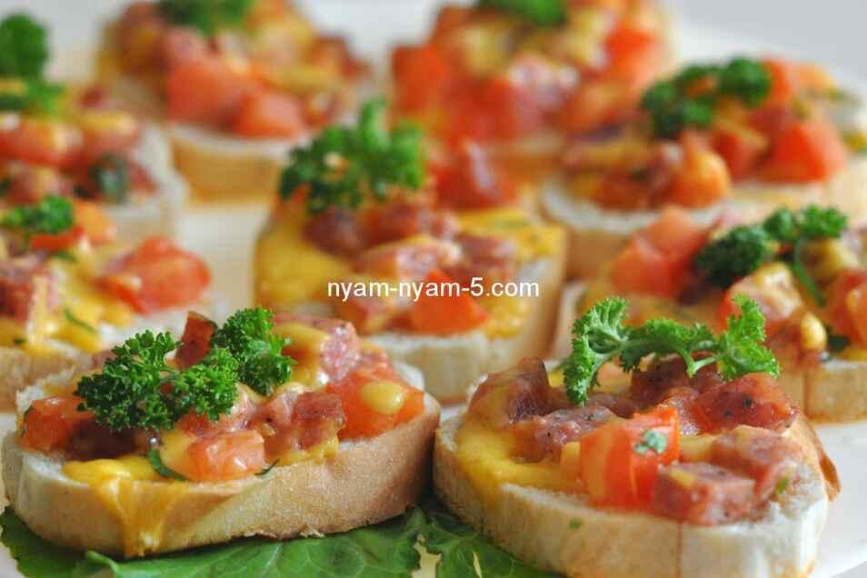 бутерброди з курячого філе з горіхамирецепти