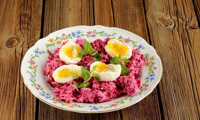 svokla-chesnok-syr-salat-02