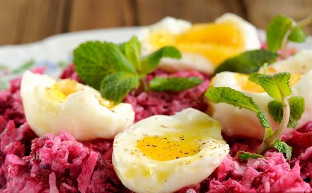 svokla-chesnok-syr-salat-05