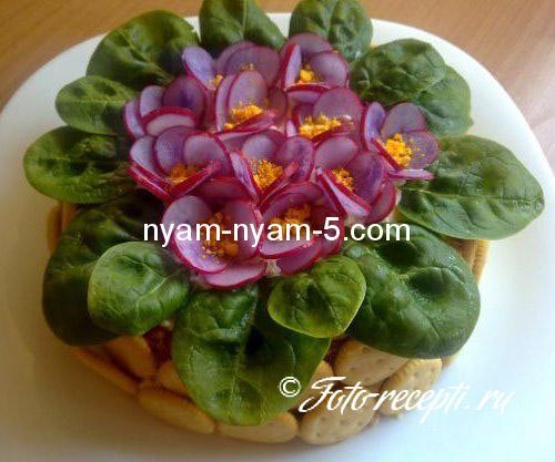 Як прикрасити салат фото