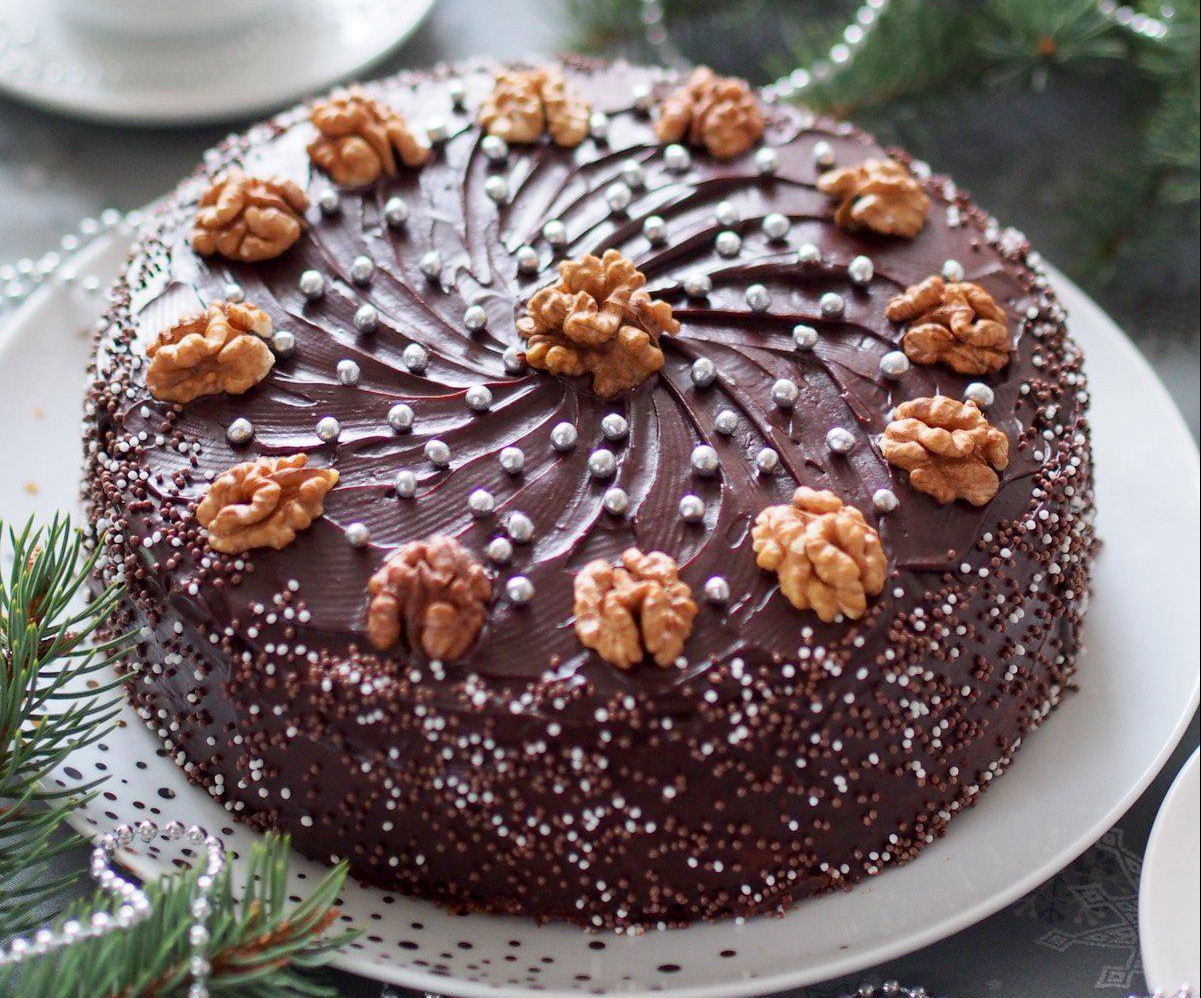 torcik piernikowy z kremem grysikowym i czekoladą