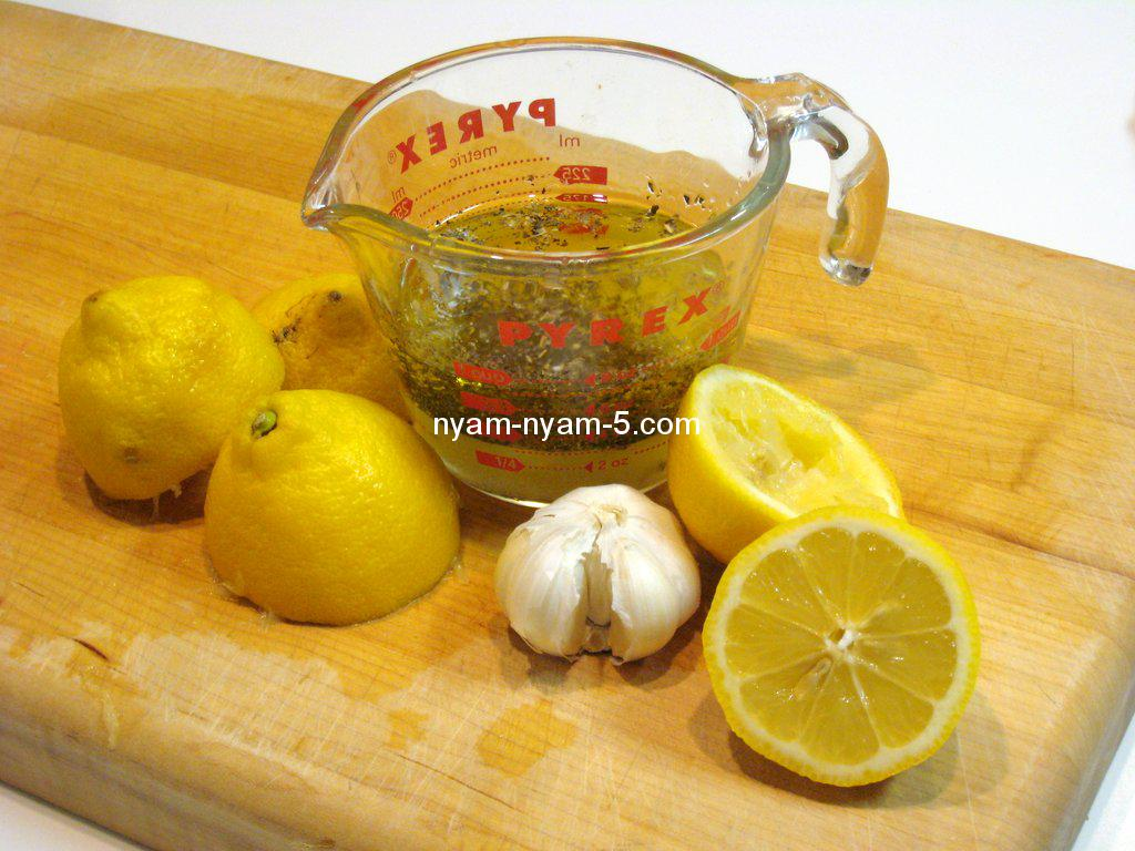 homemade-lemon-garlic-salad-dressing-ingredients