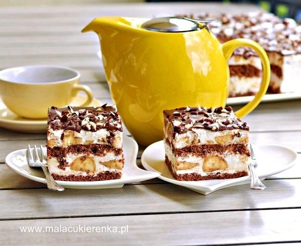 ciasto-z-bananami-i-kremem-jogurtowym
